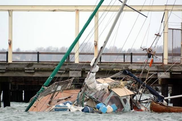 sailboat that crashed onto rocks in Bellingham Bay