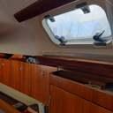 SEA PEARL ELAN 34 for sale. First launch late 1993. YANMAR engine 30 hp operation 970 hours. Two cabins, one Vshape and one very large rear. Living room, kitchen, WC with shower. Maestra and Genoa with reefing and additional large unused racing master. Last maintenance ΄Spring 2020 and machine service Autumn 2020. It is anchored at the pier of SEANATK in the Nautical Marina (Municipality of Kallithea). Πωλείται το SEA PEARL ELAN 34. Πρώτη καθέλκυση τέλη 1993. Μηχανή YANMAR 30 hp λειτουργία 970 ώρες. Δύο καμπίνες, μία Vshape και μία πίσω ιδιαίτερα μεγάλη. Σαλόνι, κουζίνα, WC με ντους. Μαϊστρα και τζένοα με reefing και πρόσθετη μεγάλη αχρησιμοποίητη μαϊστρα  αγώνων. Τελευταία συντήρηση ΄Ανοιξη 2020 και service μηχανής Φθινόπωρο 2020. Βρίσκεται αγκυροβολημένο στην προβλήτα του ΣΕΑΝΑΤΚ στη Ναυταθλητική Μαρίνα (Δήμου Καλλιθέας). Τηλ. 6944557000