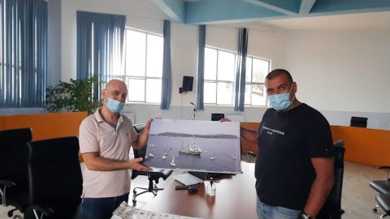 MONTE DI PROCIDA foto della nave Palinuro di David Anzalone  Acquamorta  al Comune  dalla Scolastica
