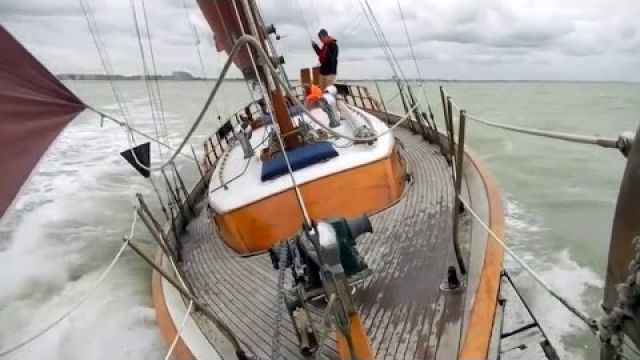 Sailing a 42 ft ketch - La Belle Paula - on the English Channel