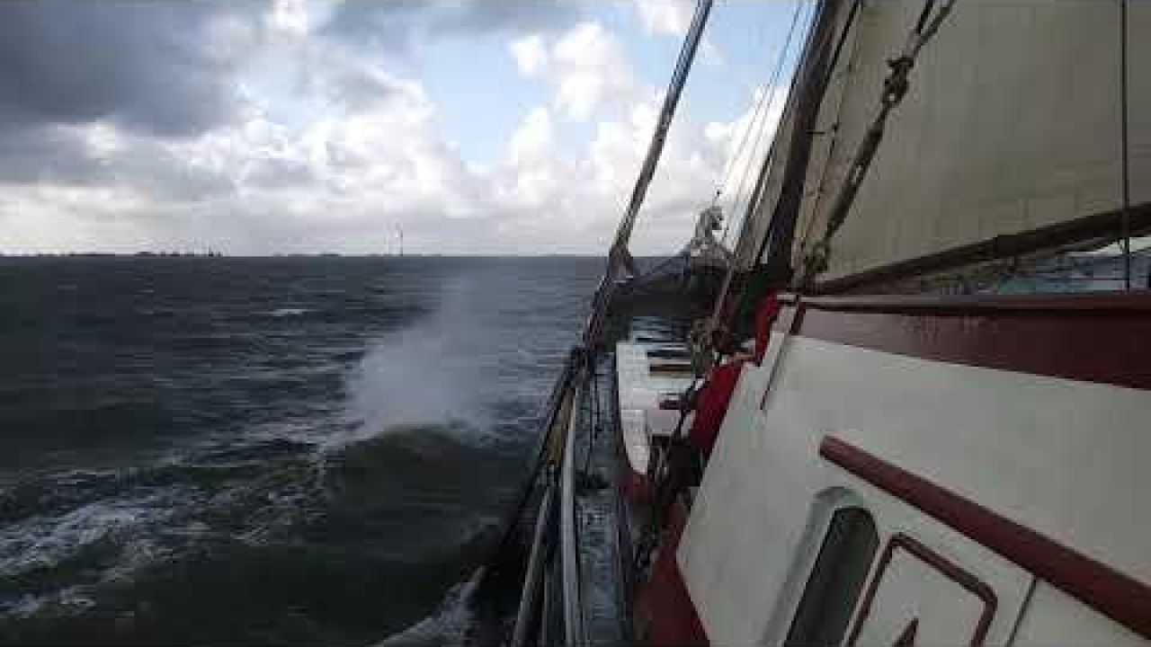 "Nice sailing weather ""Anna Trijntje"""