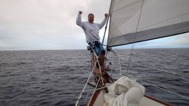 Ship-eating Island & the Equator, (ep. 6) Sailing Galapagos from Mexico